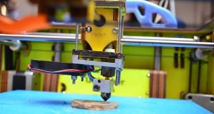 La stampante 3D va a cartone e canapa